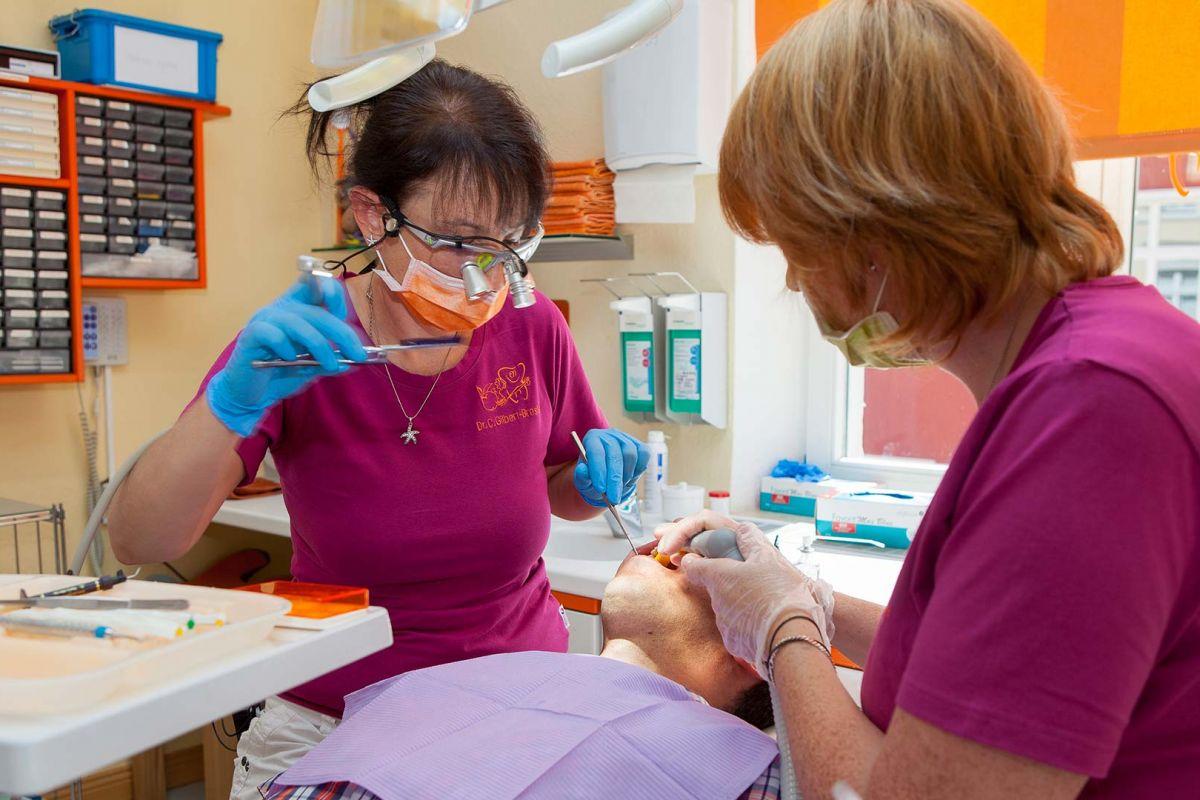 Zahnbehandlung - Bild 120
